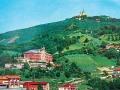Cartolina d'epoca con Villa Santa Croce e Superga sullo sfondo